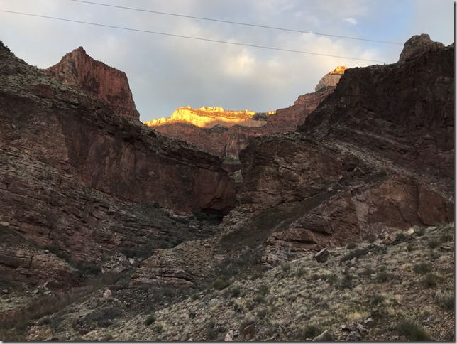 Grand Canyon adventure run sunrise: Rim to Rim to Rim (R2R2R)